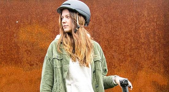 casco smart u patinete electrico